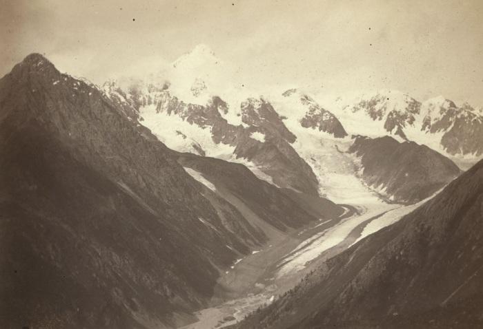Вид на Катунские Альпы с Большого хребта.