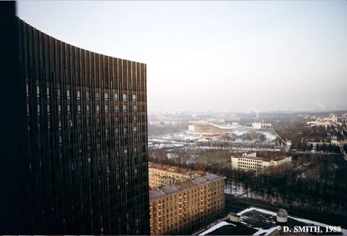 Панорама города из гостиницы Космос. СССР, Москва, 1988 год.