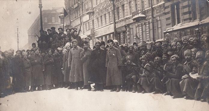 Летучий разъезд по охране порядка. Петроград, 1917 год.