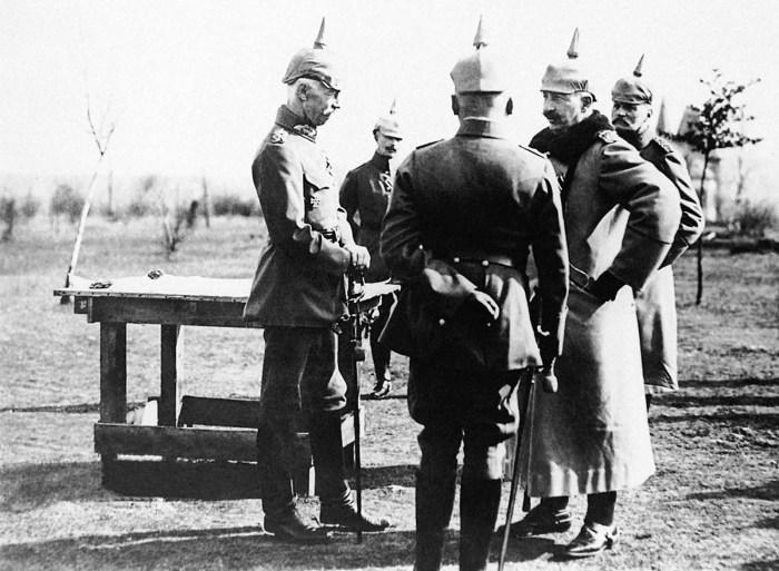 Разработка стратегического плана немецкими офицерами.