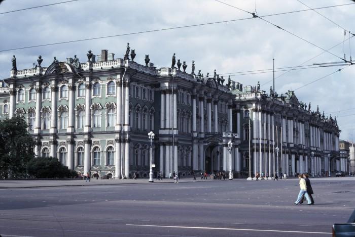 Вид на Зимний дворец. СССР, Ленинград, 1975 год.