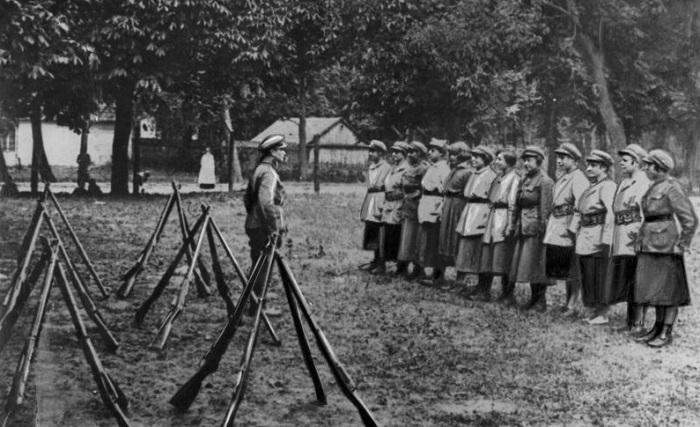 Женщины воевавшие в добровольческих отрядах. 1920 год.