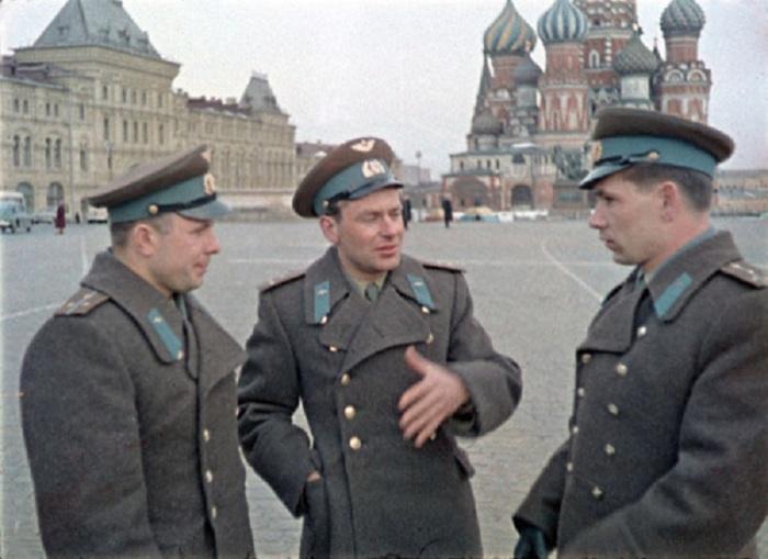 Гагарин, Титов, Нелюбов на Красной площади.<br>Москва. 1 апреля 1961 года.