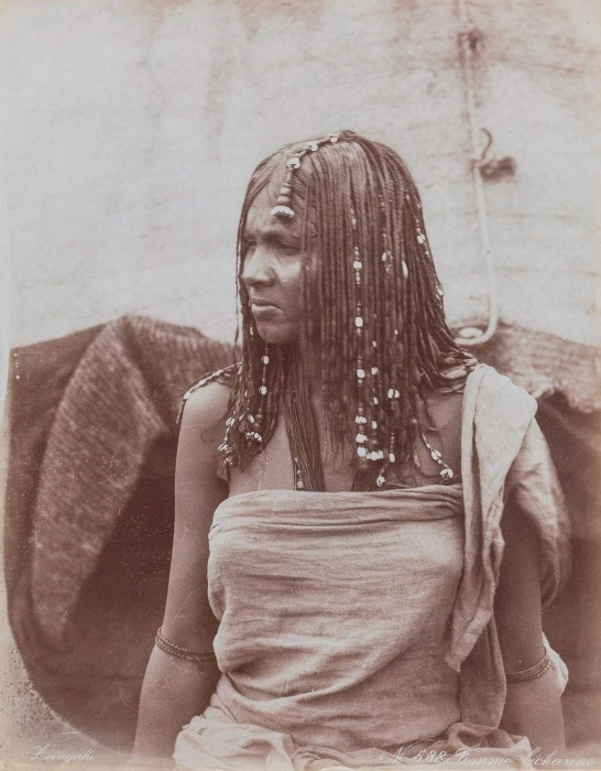 Женщина из племени бишарин.