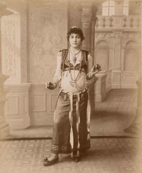 Турецкая танцовщица.