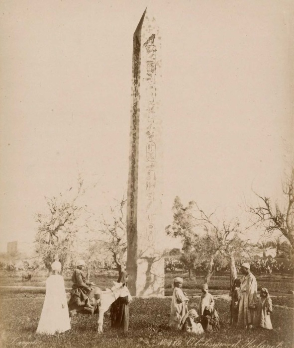 Египетский обелиск из Гелиополя.