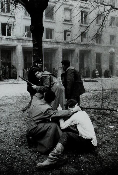 Вооружённое восстание против советского режима в Венгрии.