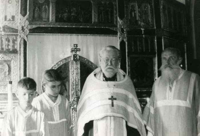Православный священник отец Александр.