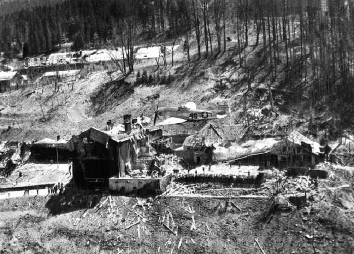В ходе войны Оберзальцберг подвергся бомбёжке авиации союзников.