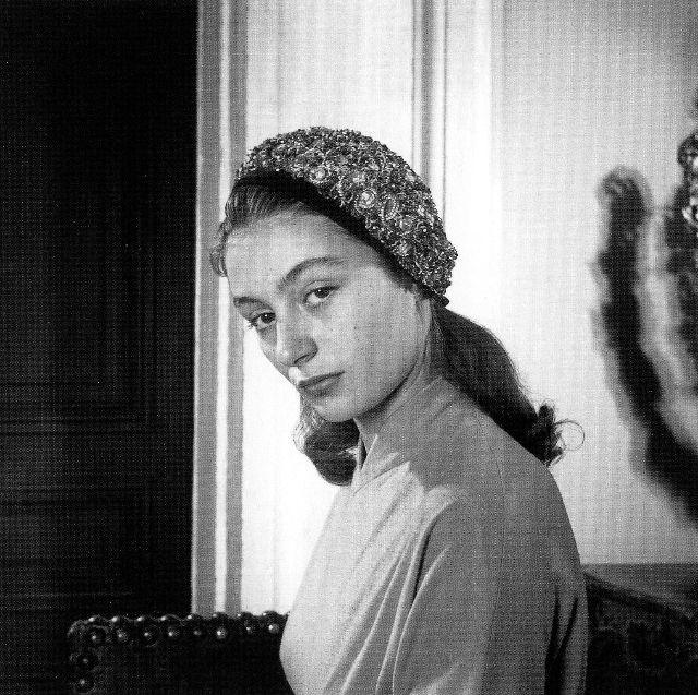 Одна из самых талантливых и популярных французских киноактрис 1950-1980-х годов.