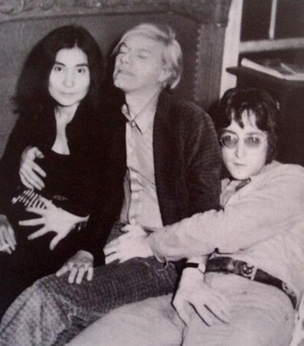 Знаковая фотография рок-звезд 80-х годов.