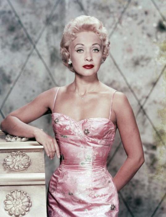 Одна из крупнейших звёзд студии «MGM» в 1950-х годах.