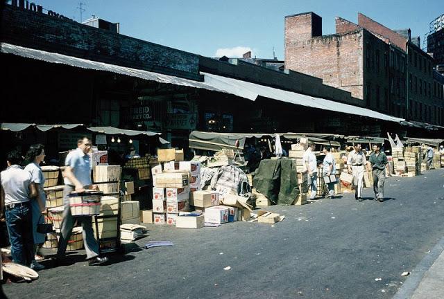 Рынок недалеко от центра города. США, Бостон, 1957 год.