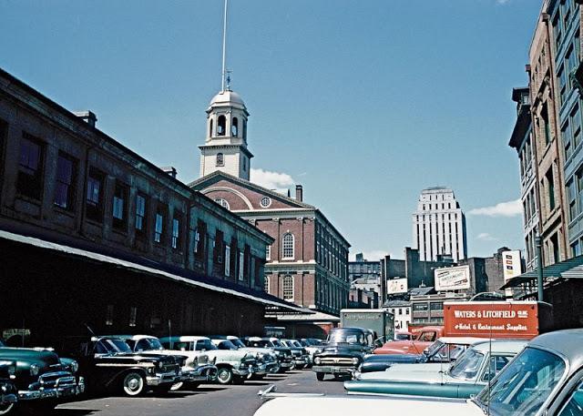 С 1742 года Фанел-Холл служит в качестве рынка и конференц-зала.