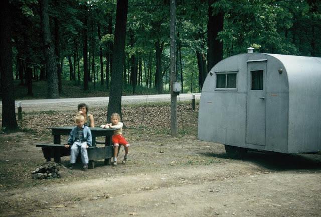 Семейный отдых в Государственном парке. США, Мичиган, 1954 год.
