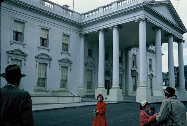 Официальная резиденция президента США, расположенная в Вашингтоне.