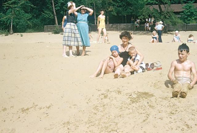 Пляж, расположенный в Государственном парке Камберленд-Фоллс. США, Кентукки, 1954 год.