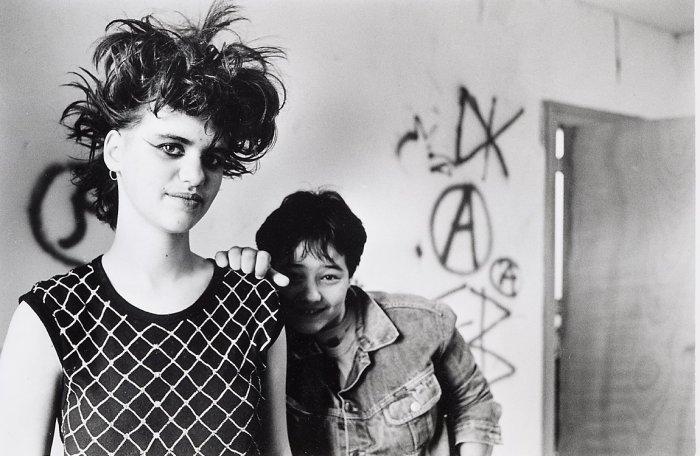 Представители исключительно девичьей субкультуры, 1994 год.