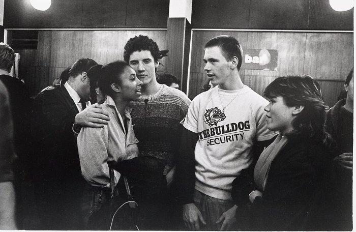 Болельщики на турнире по кикбоксингу в 1984 году.