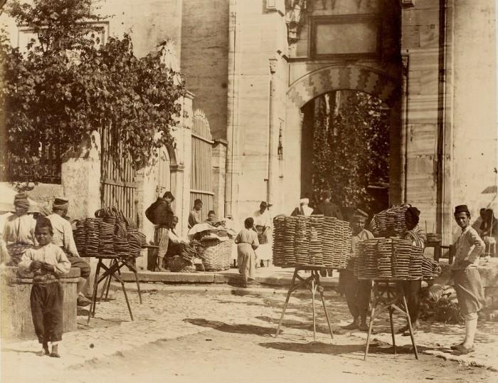 Уличная торговля бубликами, 1870-е годы.