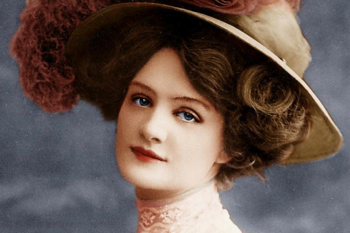 Английская актриса и певица Эдвардианской эпохи.