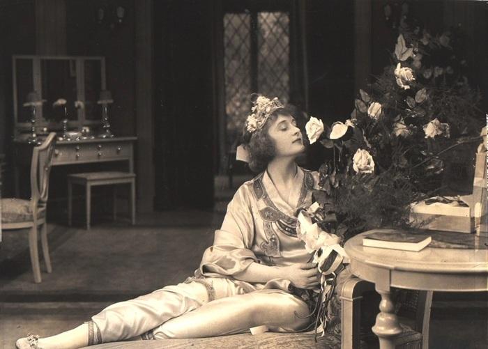 Актриса, которая в 1938 году была номинирована на премию «Оскар» за лучшую женскую роль второго плана.