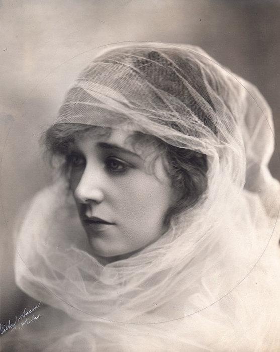 Актриса, которая исполнила в кино более сотни ролей.