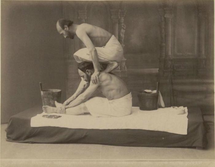 Массаж в бане. Тбилиси, 1890-е годы.