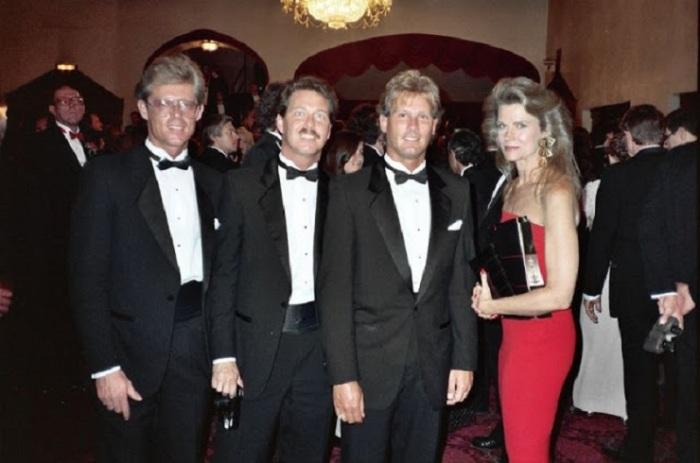 Алан Райт, Рик Бест, Тодд Морроу и Кэндис Берген.