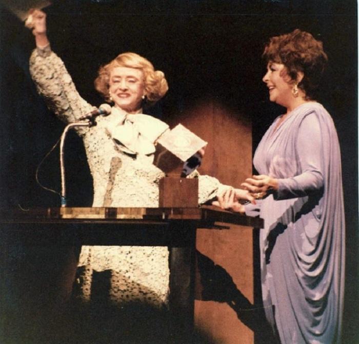 Бетт Дэвис и Элизабет Тейлор.