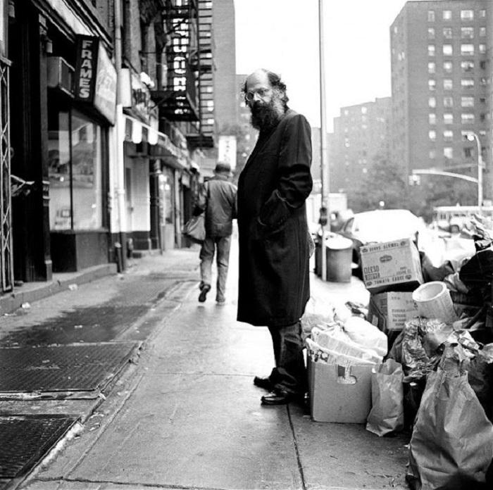 Американский поэт второй половины XX века.