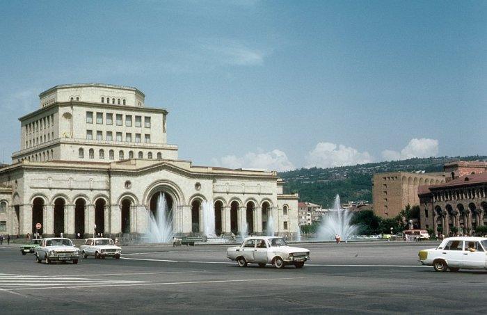 Центральная площадь в Ереване в 1985 году.