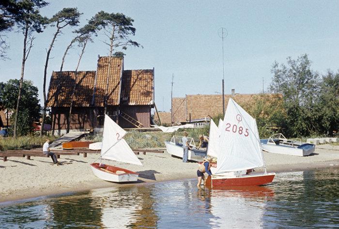 Спортивный яхт-клуб для туристов в поселке Нида, 1981 год.