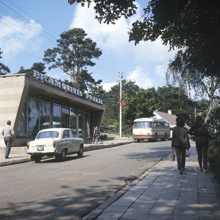 Ресторан в курортном литовском поселке Нида в 1971 году.