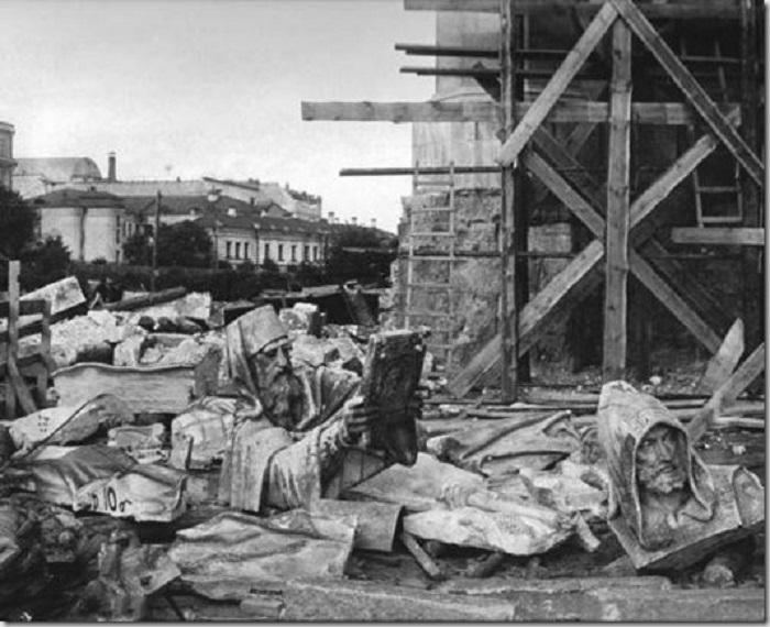 Снос храма Христа Спасителя в 1931 году.