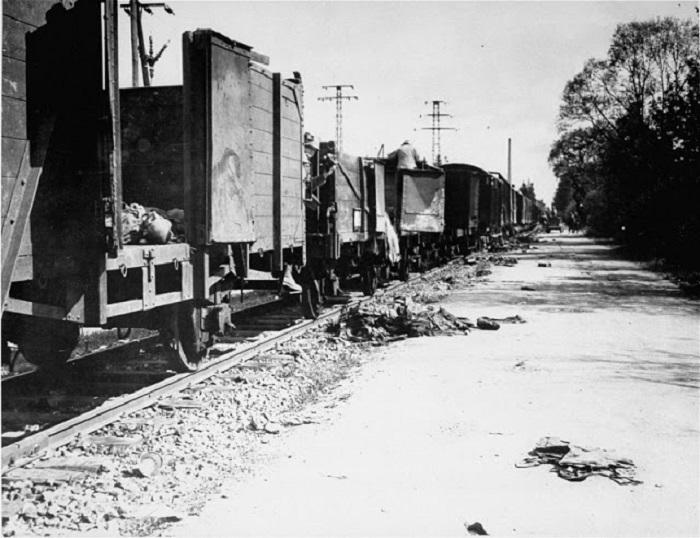 Гитлеровский поезд смерти набиты до отказа.