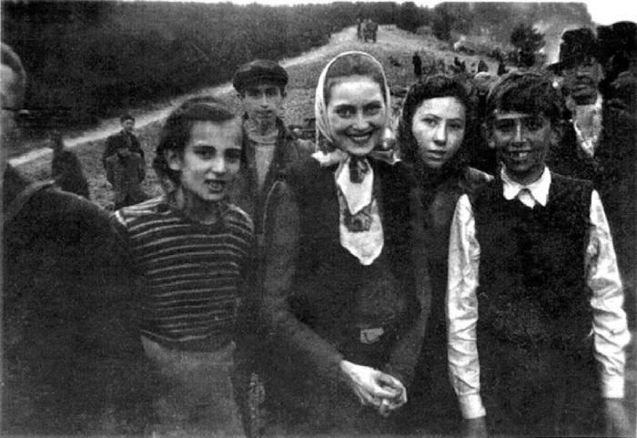 Узники одного из первых концентрационных лагерей на территории Германии.