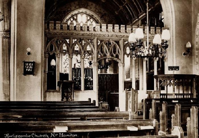 Церковь в деревенском и гражданском приходе в районе Восточного Девона.