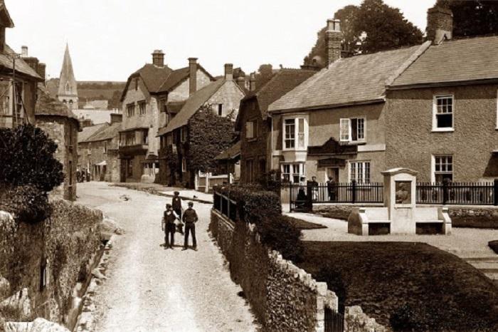 Панорама маленького городка в Девоне в 1910-ом году.