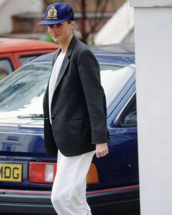 Принцесса Диана, которая заняла третье место в списке ста величайших британцев в истории.