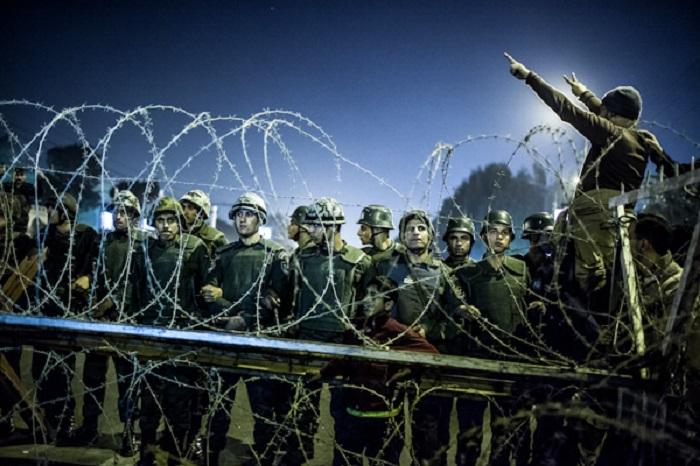 Первые дни революции. Автор фотографии: Филипп Спалек.
