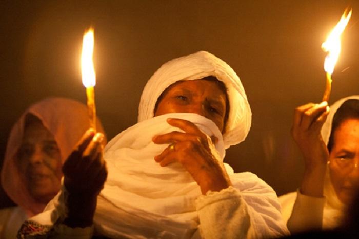 Ритуал со свечой.