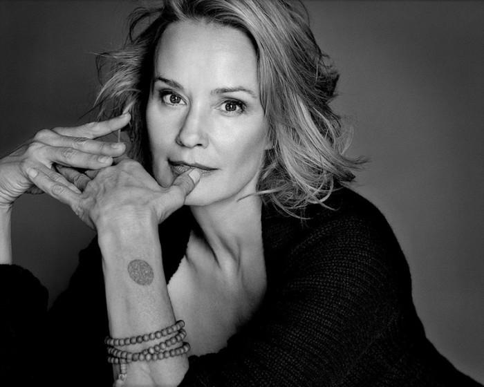 Знаменитая американская актриса театра, кино и телевидения.