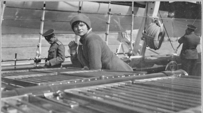 Татьяна Романова на борту яхты «Штандарт».