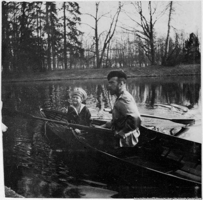 Николай II и цесаревич Алексей.