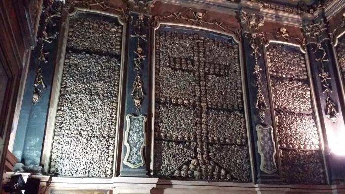 Capela dos Ossos или часовня костей. Португалия, Эвора.