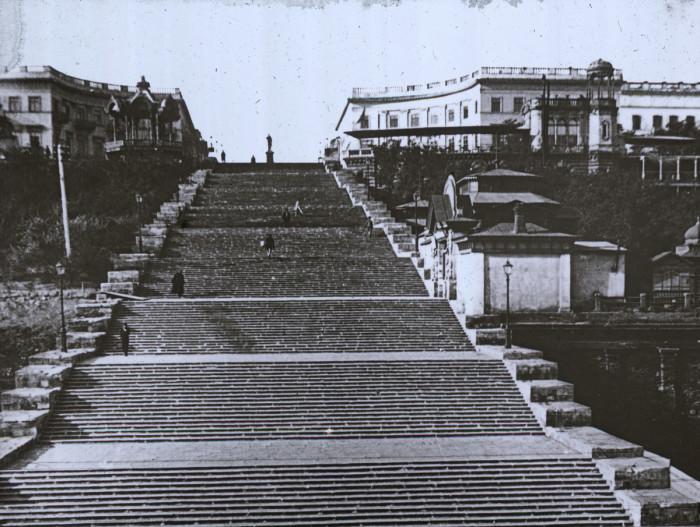 Знаменитая бульварная лестница в Одессе.