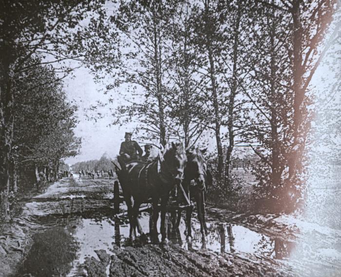 Дореволюционная фотография, сделанная на  Западе Российской империи.