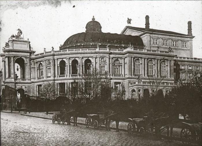 Известнейший архитектурный памятник, расположенный на территории нынешней Украины.