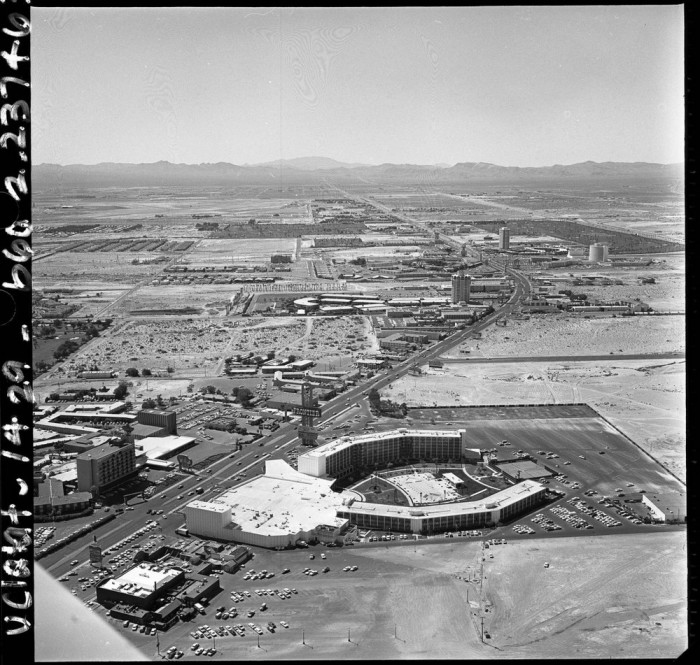 Лас-Вегас-Стрип с высоты птичьего полёта в 1968 году.